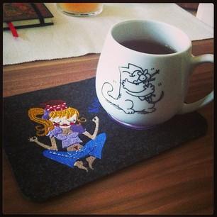 Teeteppich mit Tasse